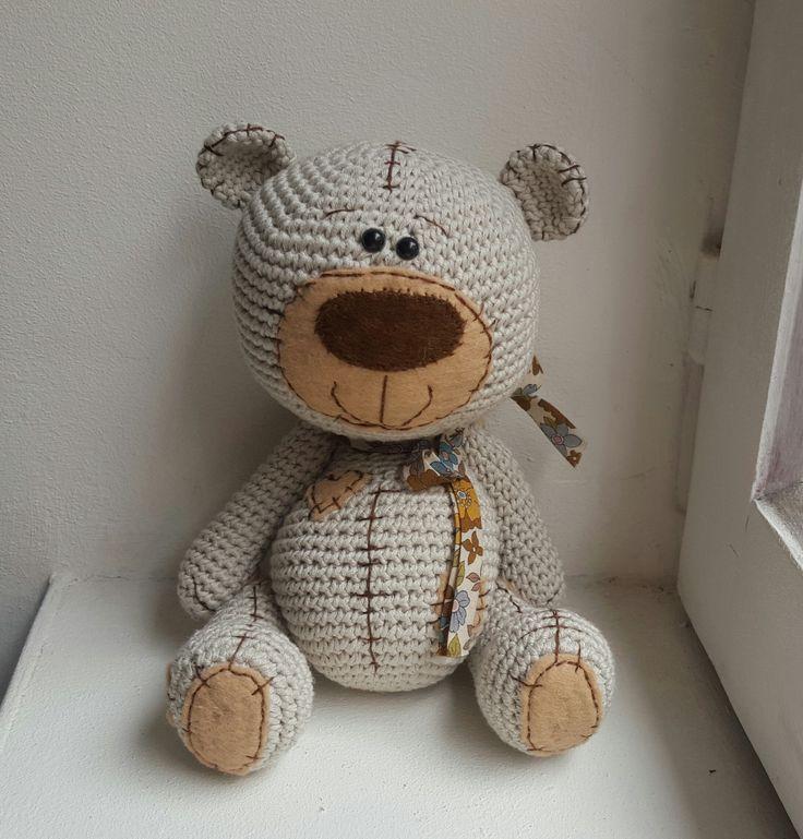 Peluche Teddy l'ourson amigurumi en coton UNIQUEMENT SUR COMMANDE