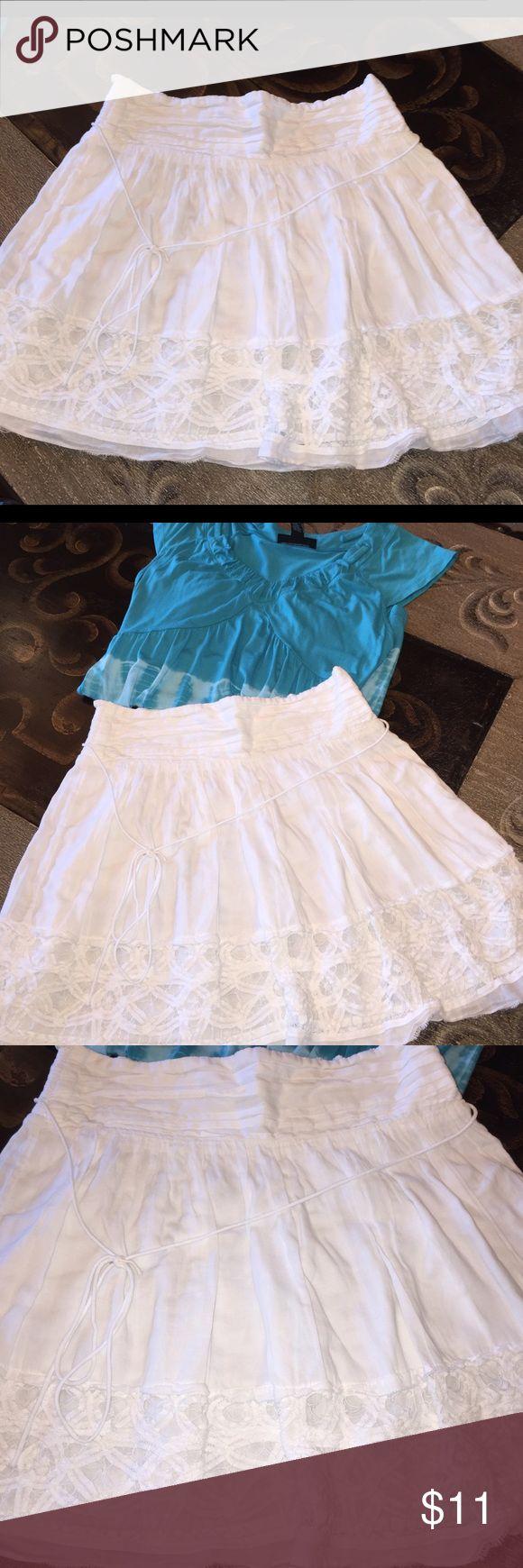 ✂️LAST CALL✂️American Eagle White Lace W/Lace Mini Beautiful Ladies white w/lace American Eagle Outfitters skirt, size Med American Eagle Outfitters Skirts Mini