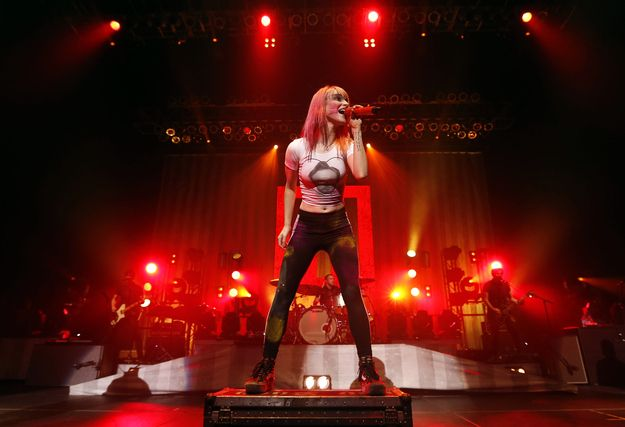 Provide many platformed island thingies to jump off of. | 11 Things I Learned At A Paramore Concert