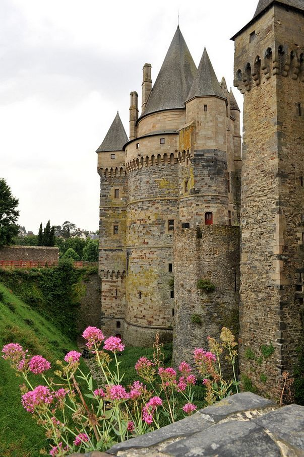 """Château de Vitré, Bretagne ~  a fantastic medieval castle that dominates one of the most beautiful towns in northern France."