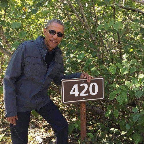 Obama smokes too