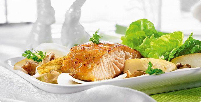 Rezept: Glasierter Lachs auf Kohlrabi-Carpaccio