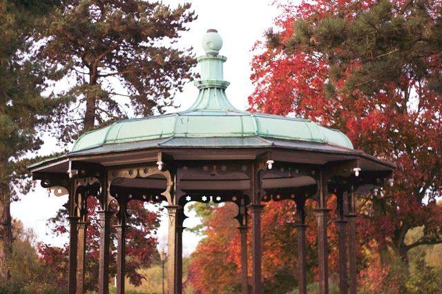 An Autumnal Evening at Belper River Gardens