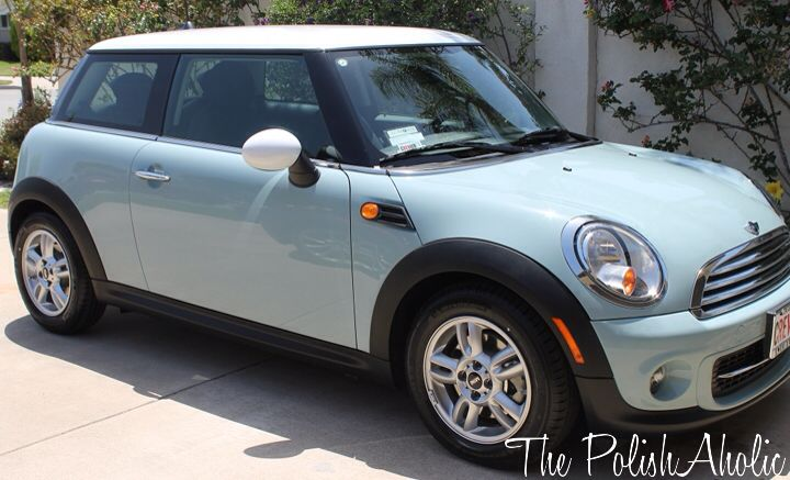 I want this mint Mini Cooper, they are just so cute to me ...