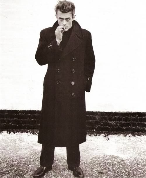 heres-looking-at-you-kid:    James Dean.
