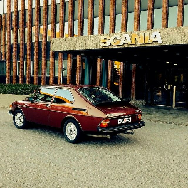 Vintage Saab 900 Scandinavia Design Scania. in 1991 we (four adults and a 6 month old) spent two weeks touring Germany in one of these!