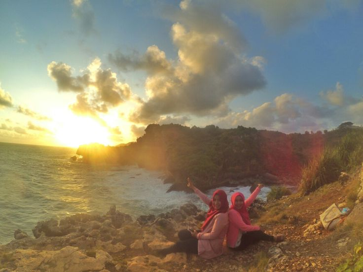 We laugh at the dumbest jokes, put up with each others worst moods, go along with the craziest ideas and that's what makes us the most amazing best friends. #friendship #bff loc: pantai ngeden, gunungkidul #explorejogja #gunungkidul #traveling #travelingindonesia by @vidyaayuu