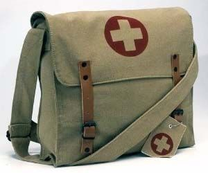 Carry around your stuff in these vintage medic messenger bags that real men used during battle