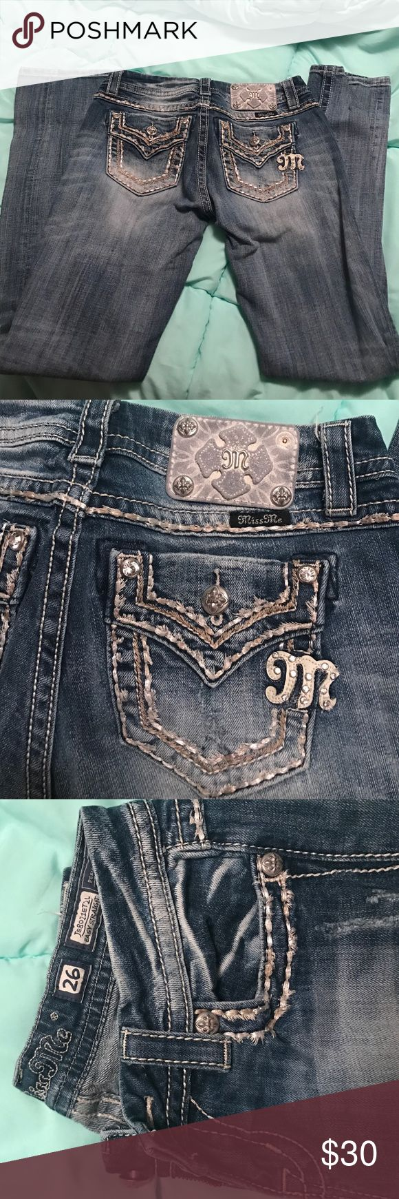 Miss Me jeans Miss me brand jeans! In very good condition other than one of the rivets is missing on the bag which is shown in the pictures. Size 26 Miss Me Jeans Straight Leg