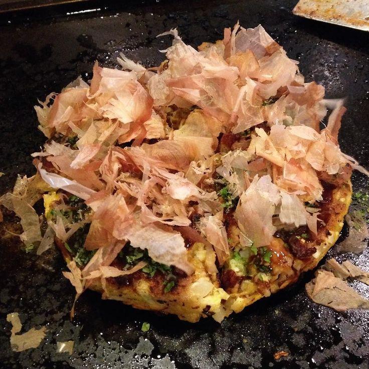 ネット用語英語シリーズ # 08  YOLO  . Hi everyone today's picture is of some okonomiyaki I had with my family in Hiroshima when they were visiting Japan. . My family wanted to visit Hiroshima and they had a JR Rail Pass so they could use the shinkansen to travel anywhere in Japan easily.  But for me traveling to Hiroshima from Tokyo is pretty expensive. At first I couldn't decide whether or not to go with my family but... YOLO! It's only money right?  I decided to go! I had a lot of fun traveling to…