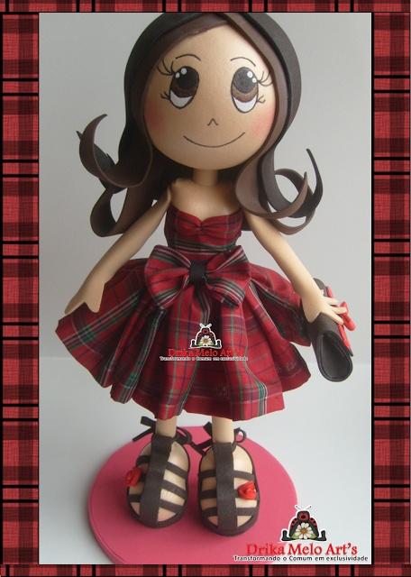 Fofucha con vestido rojo de cuadros