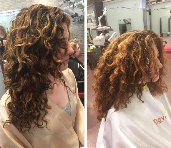 *We can never have too many layers! We kept length, removed weight, and styled using Ultra Defining Gel with Tori Piskin* AMAZING work from Devachan Senior Stylist @mia_devacurl!
