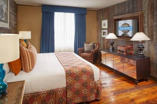 Tunica Roadhouse Casino & Hotel Robinsonville (Mississippi) This Robinsonville hotel and casino is located in the Tunica Resorts area. The hotel offers entertainment at the River Stage Bar. A spa bath is included in every guest room.