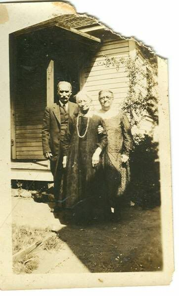 Ma Ingalls' sister, Eliza who was married to Pa's brother Peter.  Either side of her are her SIL Arthur Whiting and her daughter (Laura's double cousin) Alice Ingalls Whiting.