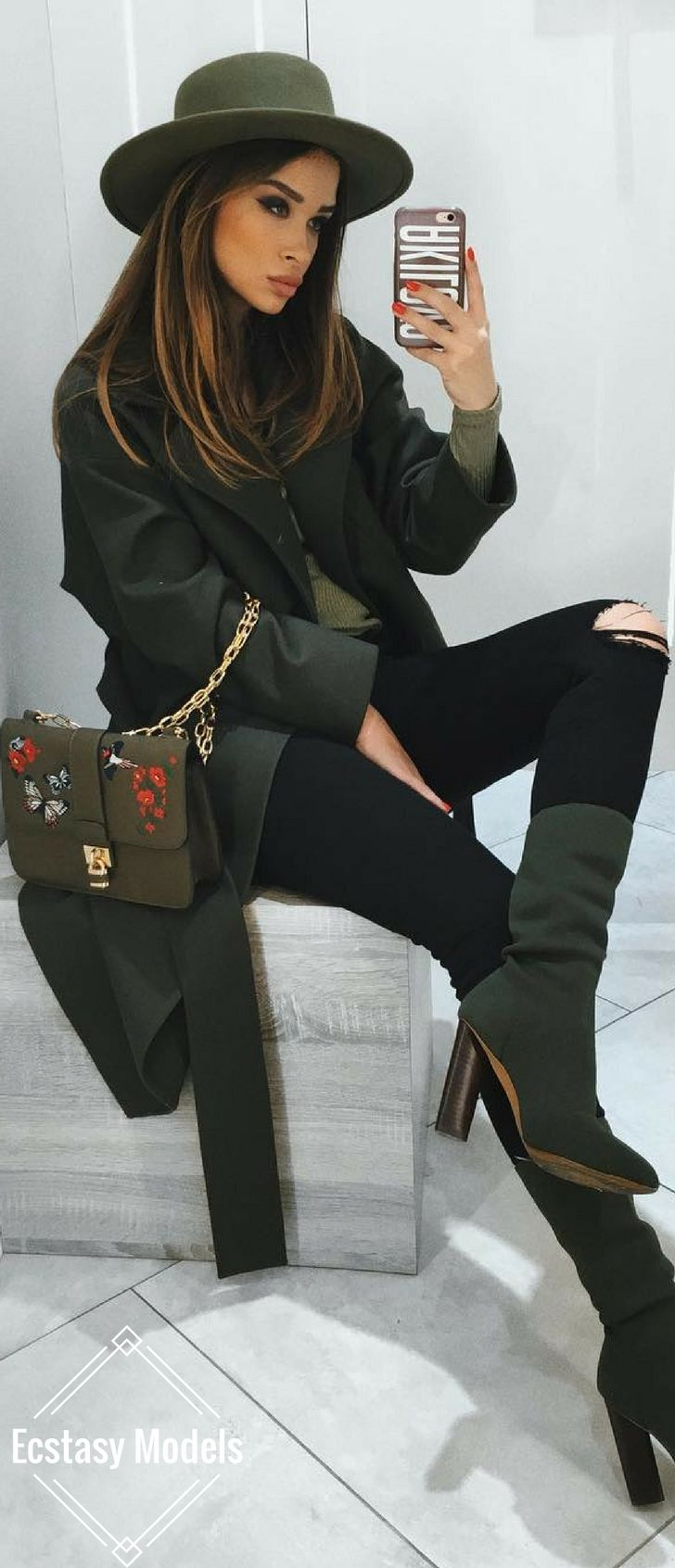 Wow, diese dunkelgrünen Stiefel passen am besten zu Schwarz und Anthrazit! | Stylefeed