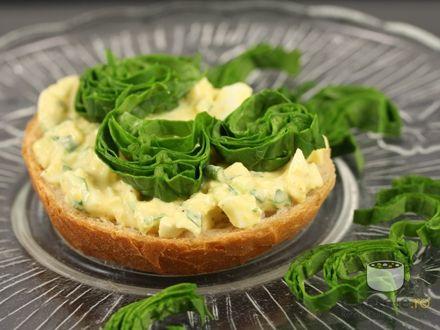 Sandwich cu salata de oua