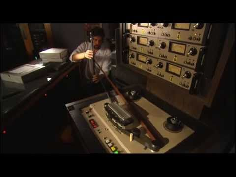 Classic Albums: Pink Floyd - The Making of The Dark Side of the Moon. En...