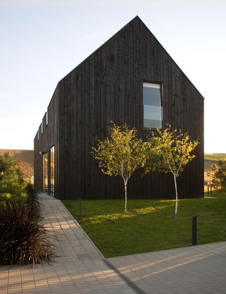 Best 25 Black barn ideas on Pinterest Black house Modern barn
