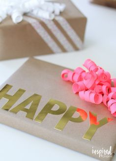 Creative Gift Wrapping Ideas / Give Mom, grads, and more a present thats as pretty as a picture on with these tips.
