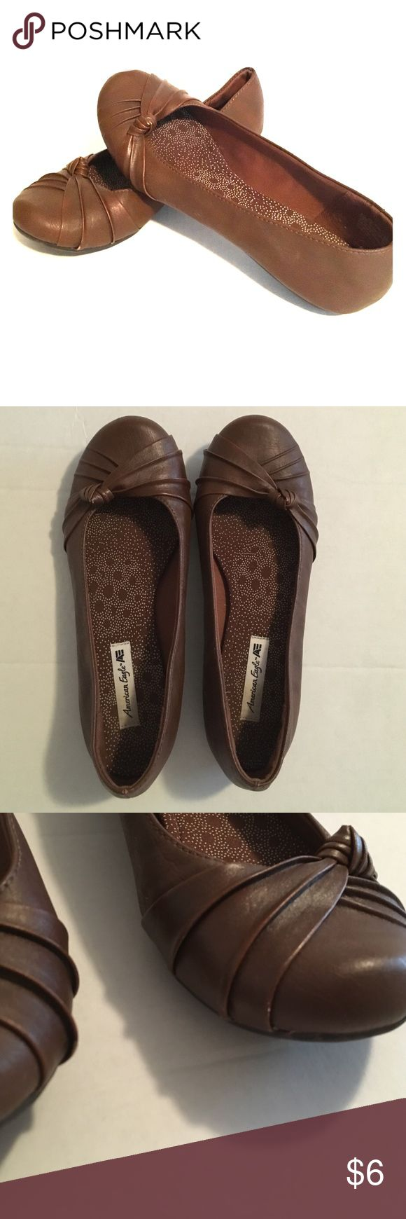 Brown flats American Eagle Size 6 brown flats with tie design on toe! American Eagle by Payless Shoes Flats & Loafers
