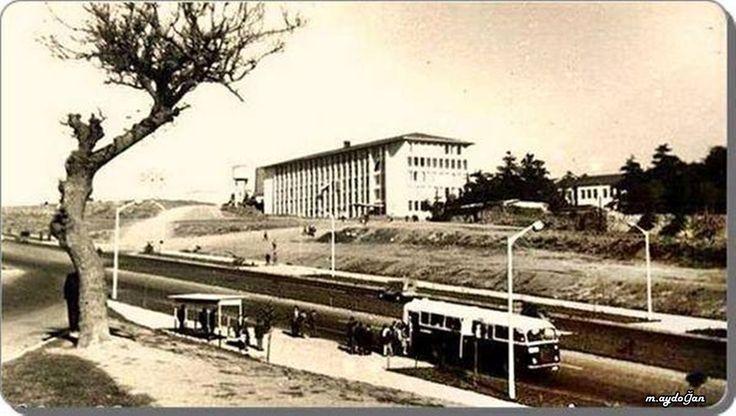 Beşiktaş Barbaros Bulvarı Yıldız Teknik Universitesi (1960'lar).