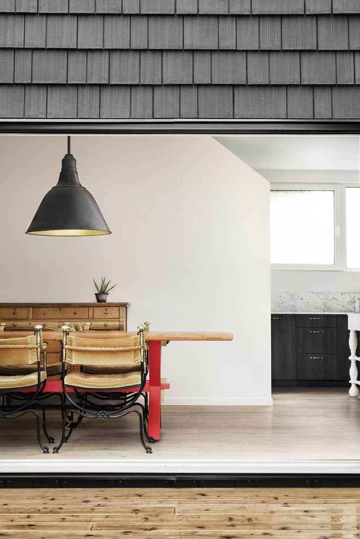 A handsome Oakwood house inspired by simpler structures - The Globe and Mail