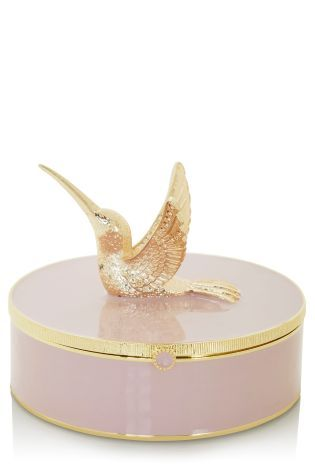 Aww! How sweet is this jewellery box! I can imagine this on my dressing table!