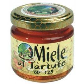 Miele al tartufo in vasetti da 120gr, 250gr e 450gr. Ottimo su crostini di pane, su fettine di formaggio e come dolce antipasto.