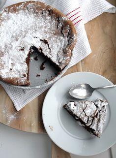 YO! Choclate cake.... FODMAP vriendelijk als je niet de hele taart zelf opeet ;-)