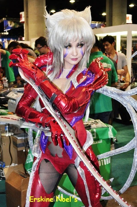 anime cosplay at its best!!