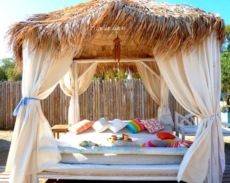 Beautiful lounger at a beach wedding #beachhut #beachwedding #wedding #lounger