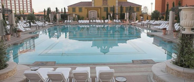 88 best images about las vegas swimming pools on pinterest for Hotels in vegas with indoor swimming pools