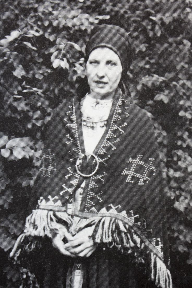 Woman And Learned Latvian 37