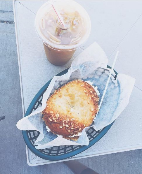 Coffee and bagels | photo by @happytiannavibes