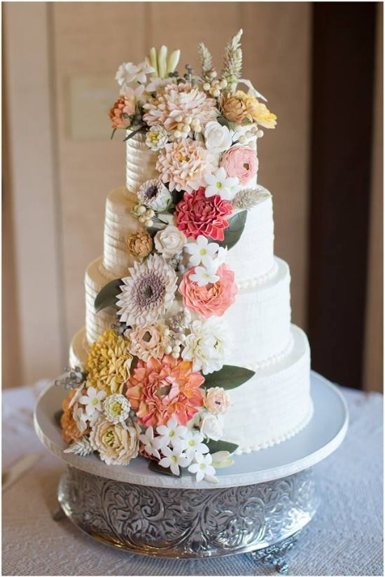Floral wedding cake   Samantha Laffoon Photography