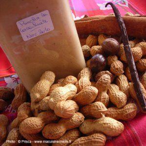 Cuisson : 10 minutes - Repos : 10 à 15 jours -LES INGRÉDIENTS Pour 2 litres environ 1 litre de rhum blanc agricole de Martinique 250 g d'arachides grillées (ou 200 g cacahuètes non salées) 1 (...)