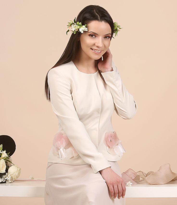 Easy like a spring evening YOKKO | spring 17 #spring #flowers #jacket #evening #white #elegant #woman #fashion #style #madeinromania #yokko