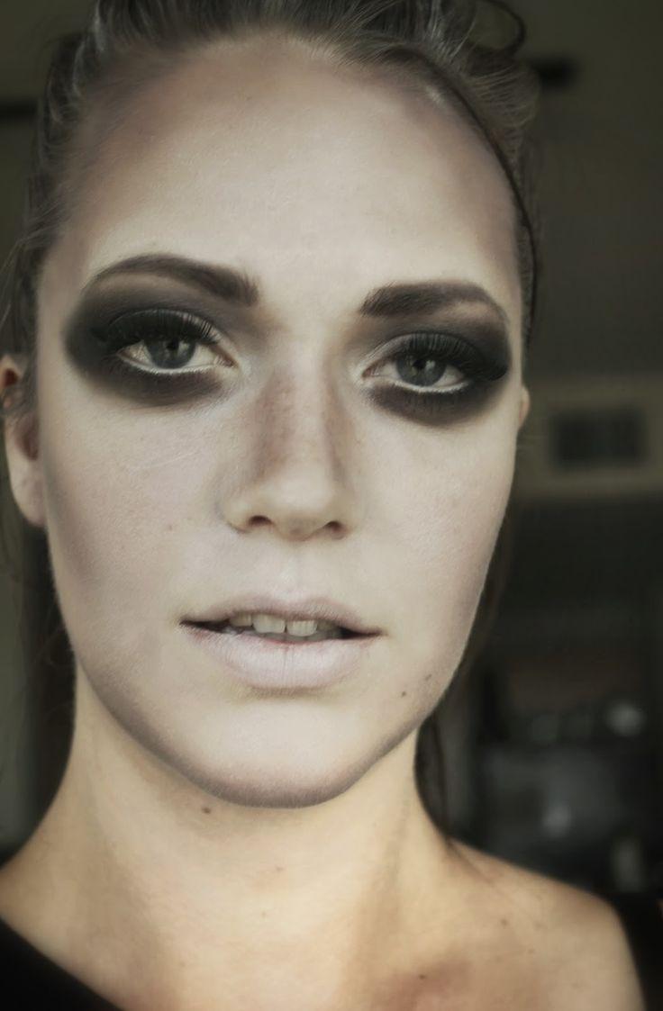 Glamorous ghost makeup for Halloween #makeup #makeupxsarah #ghost #halloween