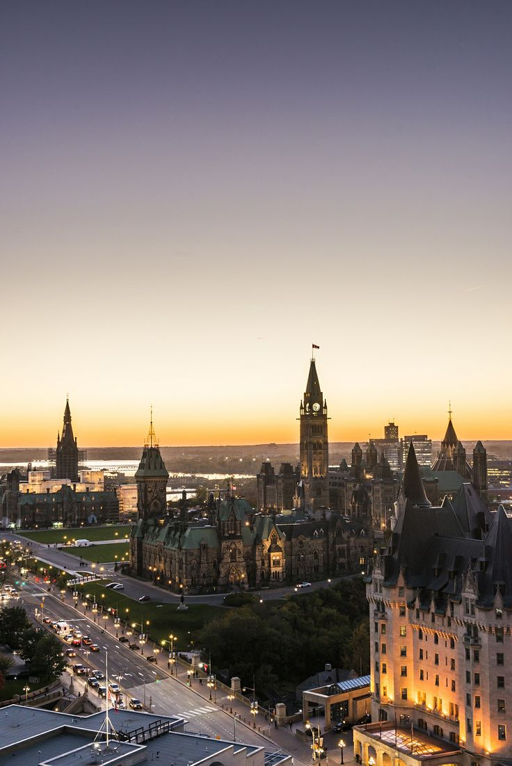 Panoramic view of the beautiful Parliament Hill.  For more information visit www.ottawatourism.ca. Photo credit: Ottawa Tourism