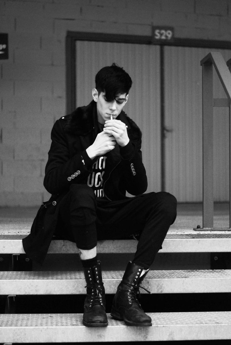 Cole Mohr / Male Models, Tattoo Guy Smoking, Men's Fashion and Style  Black & White Photography