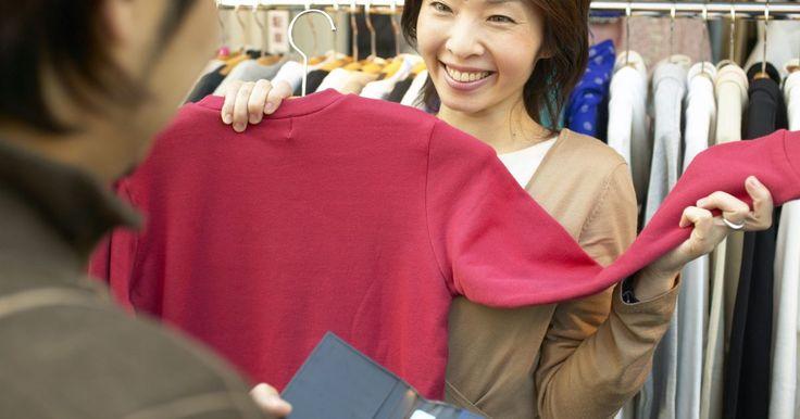 Famosas lojas de roupas japonesas. Um fã de moda que tenha visitado Tóquio pode maravilhar-se com a moda futurista, tão à frente de seu tempo, que o Instituto de Tecnologia de Moda de Nova Iorque diz que é mais avançada que a de ponta. Mesmo que você não tenha ido ao Japão, pode intrigar-se com o nível de detalhes que compõe as roupas japonesas. Comece aprendendo mais sobre as mais ...