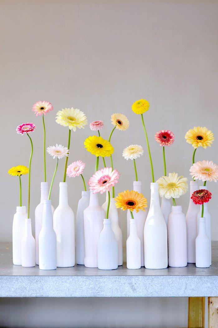 F cil y preciosa decoraci n de cristal reciclado pintado y - Decoracion de jarrones con flores artificiales ...
