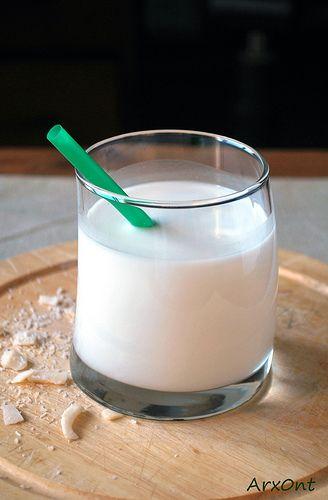 Easy homemade coconut milk - The baking man