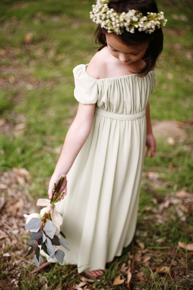 Flower Girl Fashion from Kirstie Kelly + Belathee Photography   I love the simplicity of the flower girl dress!