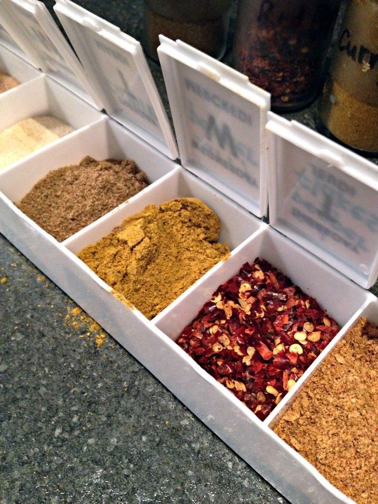Great idea for adding a little spice to your camping recipes! Use a pill reminder box and fill each compartment with various spices and seasonings. Saves space and helps make food taste better! | campinglivezcampinglivez