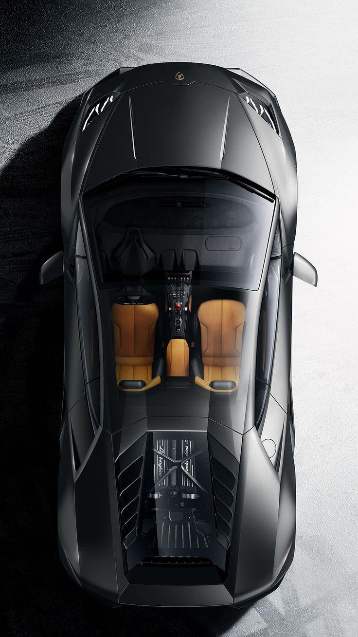 La Lamborghini Huracán est une voiture de sport construite par le constructeur italien Lamborghini pour succéder à la Gallardo. Elle utilise le même moteur V10 de 5,2 litres mais poussé à 610 ch (449 kW). La vitesse de pointe est de 325 km/h, l'Huracán peut accélérer de 0 à 100 km/h en 3,2 s et de 0 à 200 km/h en 9,9 s. Avec un poids à sec de 1 422 kg, elle possède un rapport de 2,33 kg par cheval, elle dispose de quatre roues motrices.