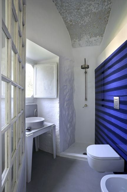 Capri suite: Blue Bath, Stripes Wall, Capri Suits, Blue Wall, Design Interiors, Interiors Design, Pictures Galleries, Bathroom Showers, Narrow Bathroom