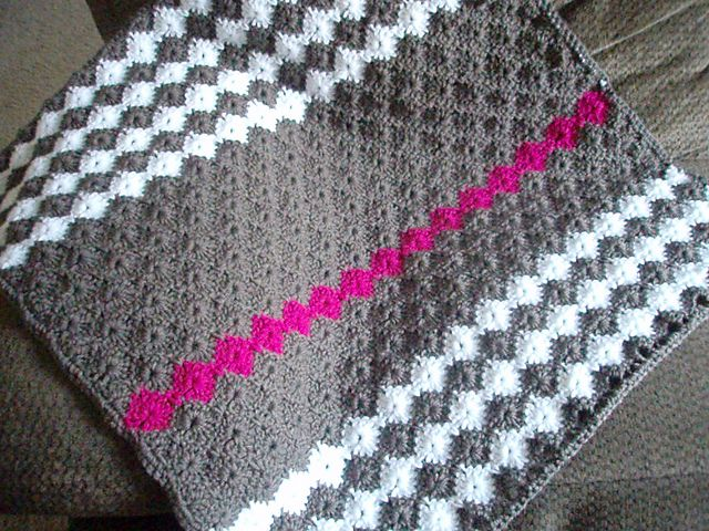 Baby M Blanket By Vickie Howell - Free Crochet Pattern - (ravelry)
