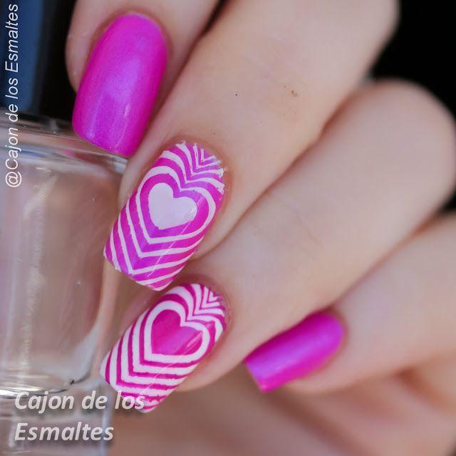 @colorclubnaillacquer Right on de la colección Poptastic y la placa es la BP11 de Uñas con corazones - San Valentín