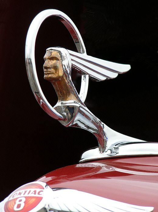 1934 Pontiac Chief hood
